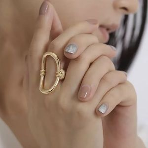 NEW Gold Bold Simplicity Geometric Ring Size 5